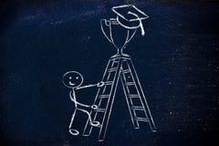 Muchacho que va para arriba una escalera para coger un trofeo con el casquillo de la graduación Imagen de archivo