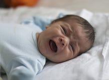 Muchacho recién nacido gritador Fotos de archivo libres de regalías