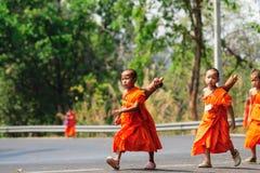 Muchacho tailandés del monje fotos de archivo libres de regalías
