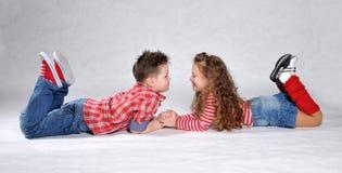 Muchacho y muchacha Imágenes de archivo libres de regalías
