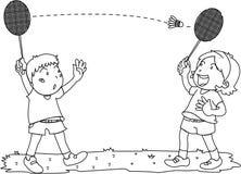 Muchacho y muchacha que juegan a bádminton Imagen de archivo