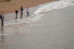 Muchachos en la playa Imagen de archivo libre de regalías