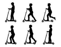 Muchachos en scooters_2 libre illustration