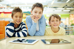 Muchachos felices Fotografía de archivo