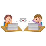 Muchachos y muchachas al intercambio del correo Imágenes de archivo libres de regalías