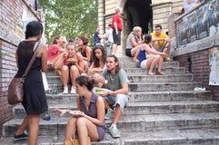 Muchachos y muchachas jovenes en Roma Imágenes de archivo libres de regalías