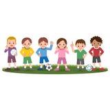 Muchachos y muchachas y balones de fútbol Fotografía de archivo