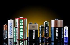 Muchas baterías de las marcas de fábrica Imágenes de archivo libres de regalías