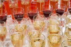 Muchas bebidas en stemwares Fotografía de archivo