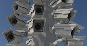 Muchas cámaras de seguridad en el pilar de la ciudad, hermano mayor que mira y imágenes de archivo libres de regalías