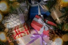 Muchas cajas de regalo Concepto de la Navidad Imagen de archivo libre de regalías