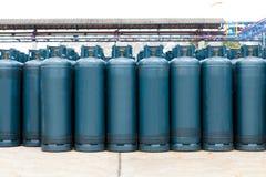 Muchas de las botellas de gas hinchan con butano del propano Foto de archivo libre de regalías
