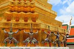 Muchas estatuas gigantes del ramayana se están colocando fotos de archivo libres de regalías