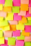 Muchas etiquetas engomadas coloridas Fotos de archivo libres de regalías