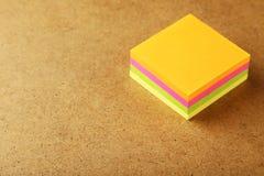 Muchas etiquetas engomadas coloridas Foto de archivo