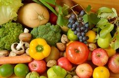 Muchas frutas y verduras Foto de archivo