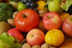 Muchas frutas y verduras Fotos de archivo