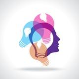 Muchas ideas que piensan con los bulbos coloridos Fotografía de archivo