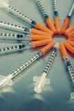 Muchas jeringuillas médicas fotografía de archivo