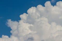 Muchas nubes Foto de archivo libre de regalías
