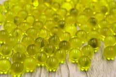 Muchas pequeñas bolas amarillas buenas para el fondo fotos de archivo libres de regalías