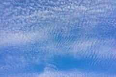 Muchas pequeñas nubes Fotos de archivo libres de regalías