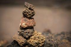 Muchas piedras fijadas verticales Fotografía de archivo