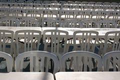 Muchas sillas en el festival fotos de archivo libres de regalías