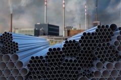 Muchas tuberías de acero apiladas Concepto de la industria de la metalurgia 3D rindió la ilustración stock de ilustración