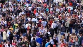 Muchedumbre de gente metrajes
