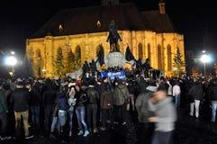 Muchedumbre de gente durante una protesta de la calle Foto de archivo libre de regalías