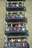Muchedumbre de gente en Para de Macy de la visión del escape de fuego Fotografía de archivo libre de regalías