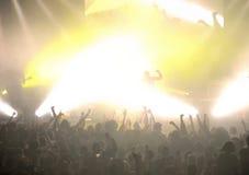 Muchedumbre en el concierto punky Imagen de archivo libre de regalías