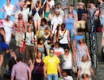 Muchedumbre en escaleras Fotos de archivo