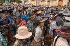 Muchedumbre en la calle en Ecuador Imágenes de archivo libres de regalías