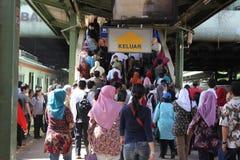 Muchedumbre en la estación Imagen de archivo libre de regalías