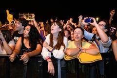 Muchedumbre en un concierto en el festival de la BOLA Imagen de archivo