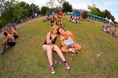 Muchedumbre en un concierto en el festival de la BOLA Imagen de archivo libre de regalías