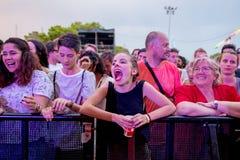 Muchedumbre en un concierto en el festival de la BOLA Fotografía de archivo libre de regalías