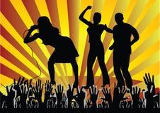 Muchedumbre que anima en el concierto Imagen de archivo libre de regalías