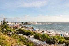 Muchedumbres de la playa del bañista Foto de archivo