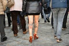 Muchedumbres de turistas que visitan Europa en Florencia, Italia Imágenes de archivo libres de regalías