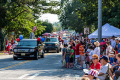 Muchedumbres en el cuarto del desfile de julio Foto de archivo libre de regalías