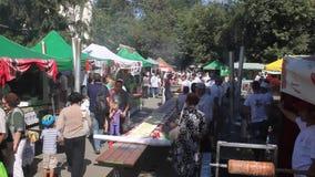 Muchedumbres en el festival de la empanada metrajes