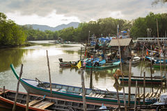Mucho barco de pesca en el canal Imagen de archivo