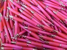 Mucho bolígrafo rosado Foto de archivo