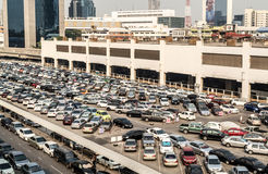 Mucho estacionamiento del coche, Tailandia Fotografía de archivo