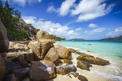 Mucho granito oscila en una costa en las Seychelles 23 Fotos de archivo
