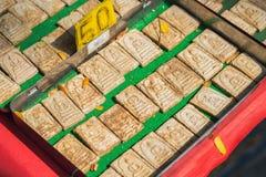 Mucho pequeña imagen Buda en una caja Fotos de archivo libres de regalías