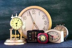 Mucho reloj Imagen de archivo libre de regalías